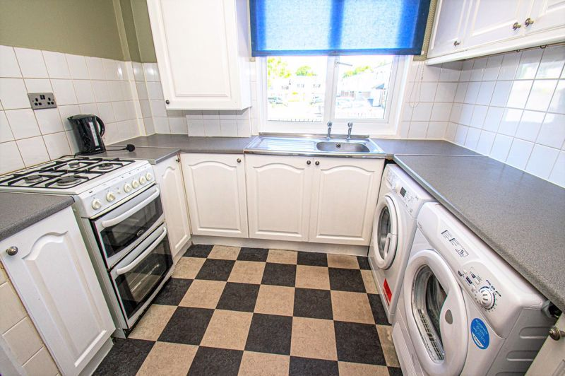 3 bed house for sale in Aldington Close  - Property Image 3