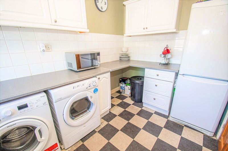 3 bed house for sale in Aldington Close  - Property Image 4