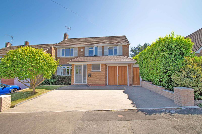 4 bed house for sale in Tennyson Road  - Property Image 1