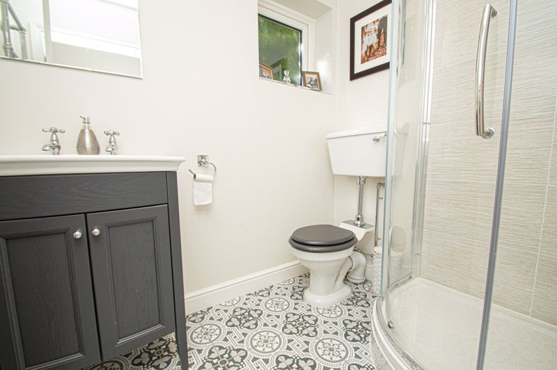4 bed house for sale in Tennyson Road  - Property Image 11