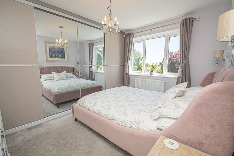 4 bed house for sale in Tennyson Road  - Property Image 13