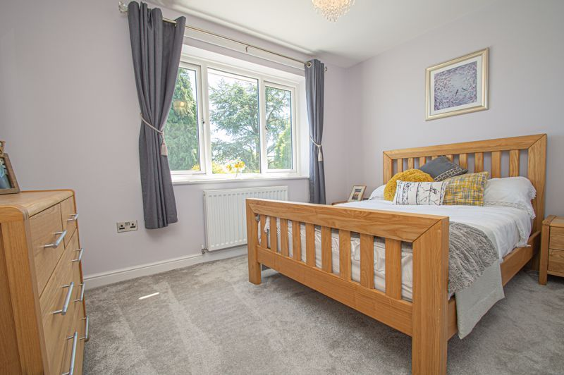 4 bed house for sale in Tennyson Road  - Property Image 14