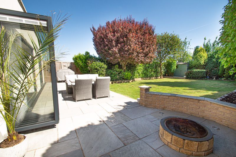 4 bed house for sale in Tennyson Road  - Property Image 19