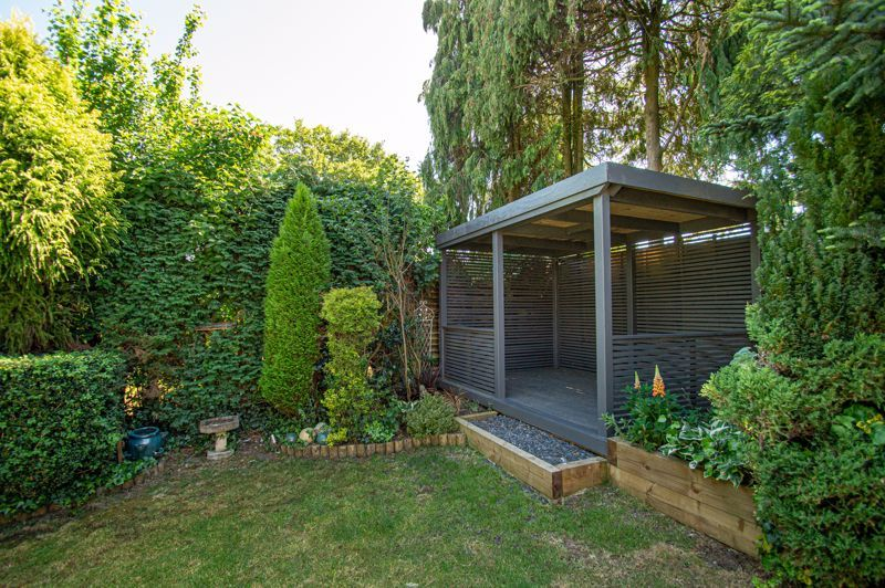 4 bed house for sale in Tennyson Road 20