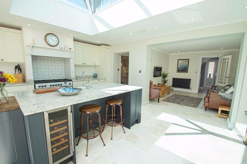 4 bed house for sale in Tennyson Road  - Property Image 7