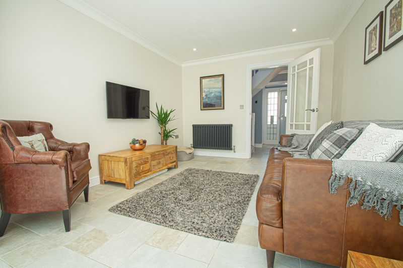 4 bed house for sale in Tennyson Road  - Property Image 8