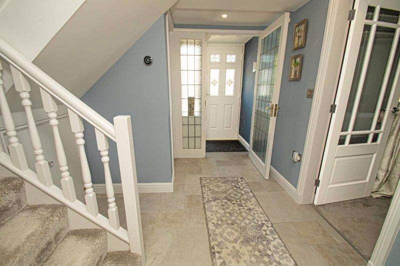 4 bed house for sale in Tennyson Road 10
