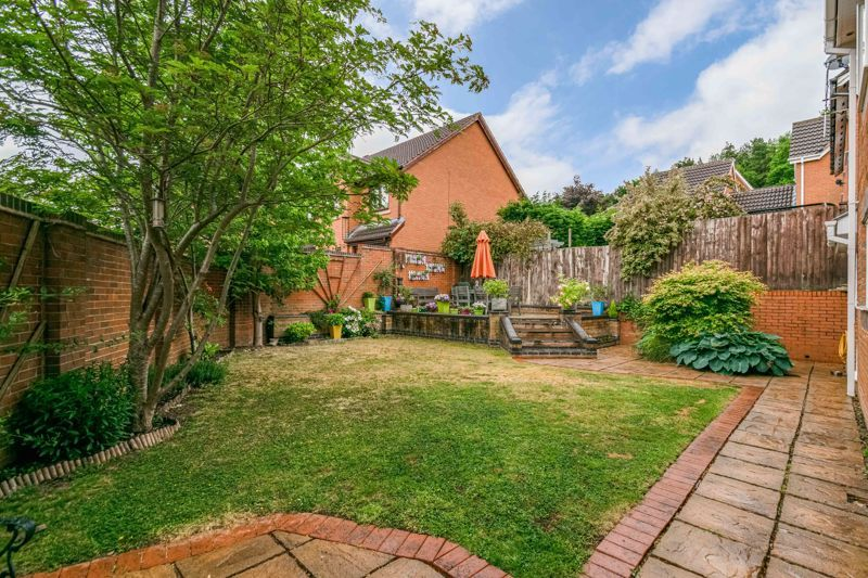 5 bed house for sale in Foxholes Lane 13