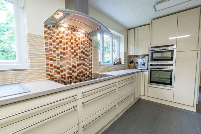 5 bed house for sale in Foxholes Lane 15
