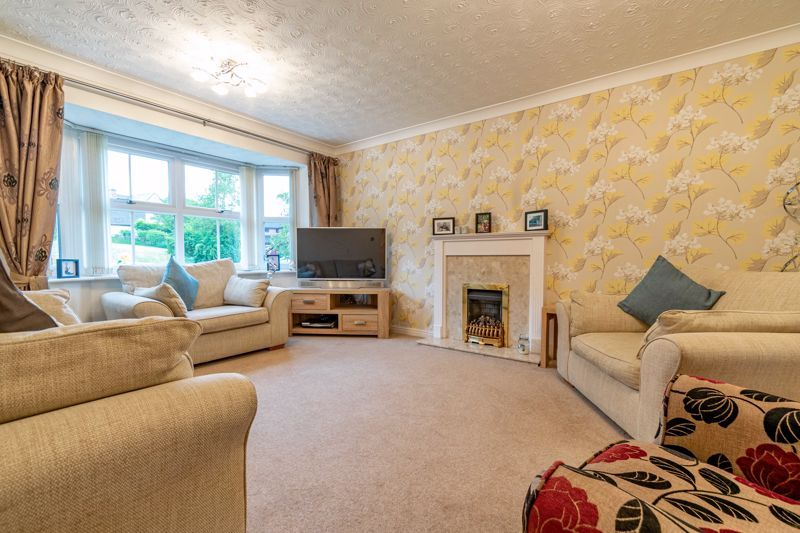 5 bed house for sale in Foxholes Lane 3