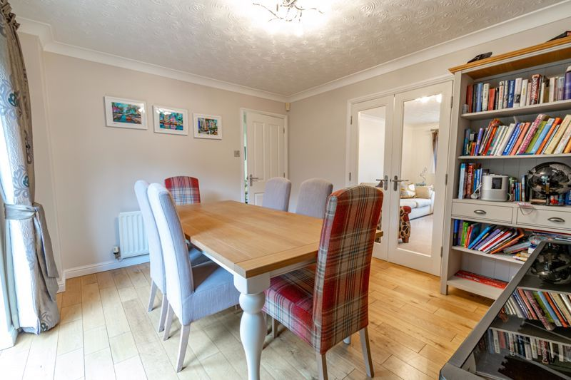 5 bed house for sale in Foxholes Lane 4