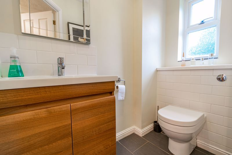 5 bed house for sale in Foxholes Lane 6