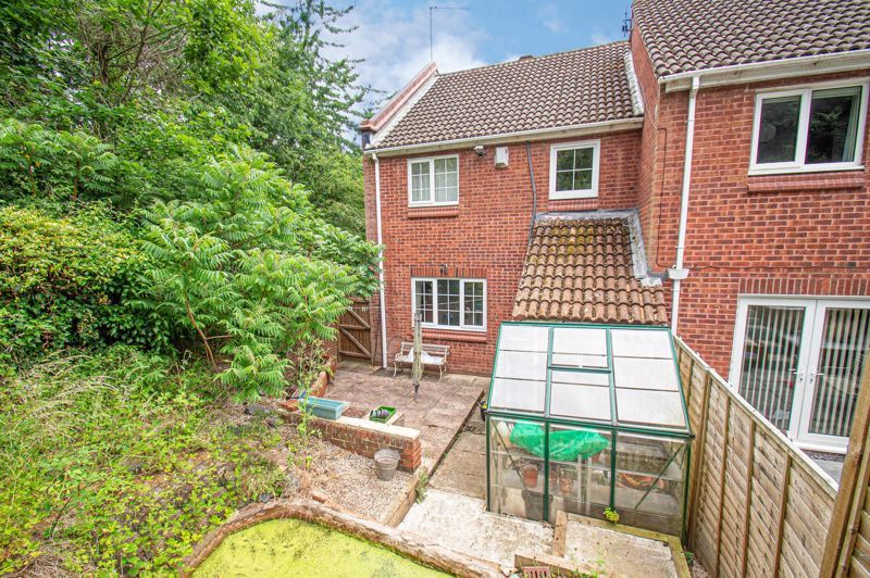 3 bed house for sale in High Trees Close 10