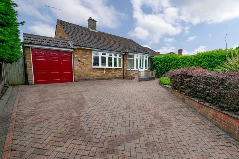 2 bed bungalow for sale in Willow Road - Property Image 1