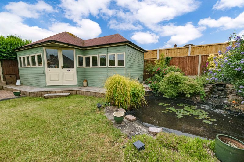 2 bed bungalow for sale in Willow Road 14
