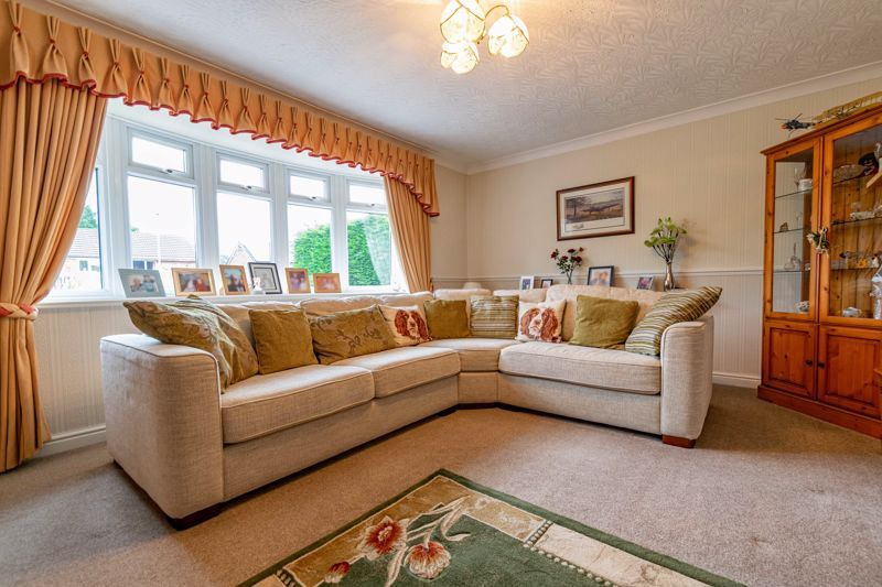 2 bed bungalow for sale in Willow Road  - Property Image 6