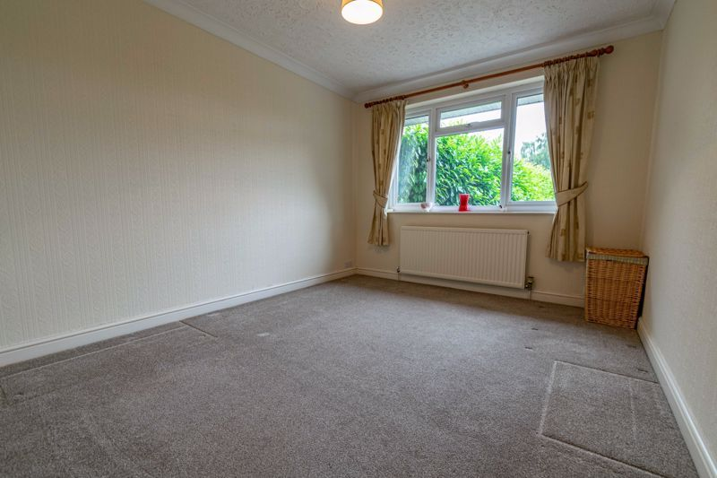 2 bed bungalow for sale in Willow Road 9