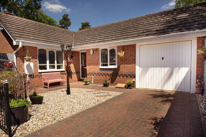 2 bed bungalow for sale in Covers Lane  - Property Image 1