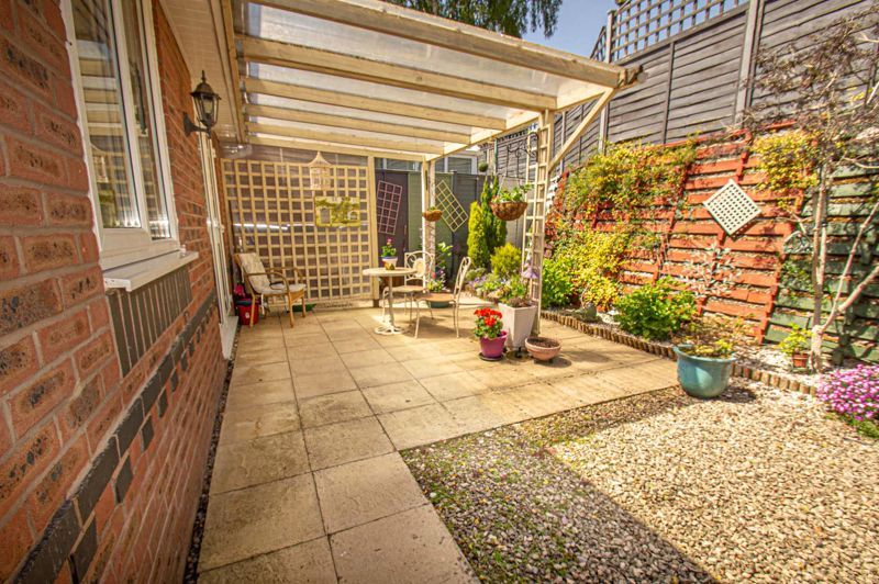 2 bed bungalow for sale in Covers Lane 12