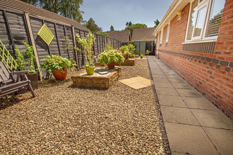 2 bed bungalow for sale in Covers Lane 13