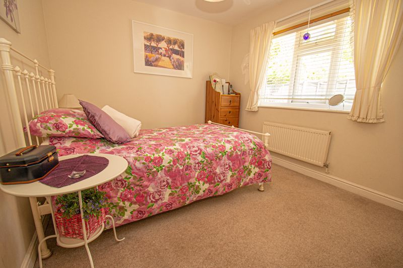 2 bed bungalow for sale in Covers Lane 6