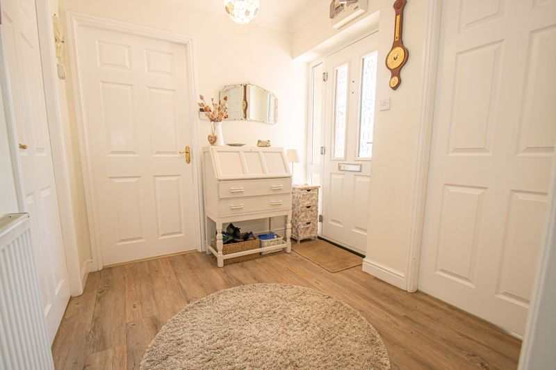 2 bed bungalow for sale in Covers Lane 9