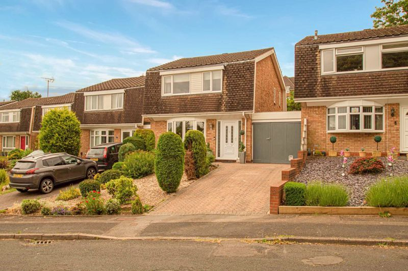 3 bed house for sale in Alveston Close - Property Image 1