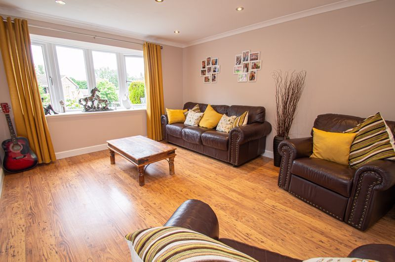 3 bed house for sale in Alveston Close  - Property Image 5