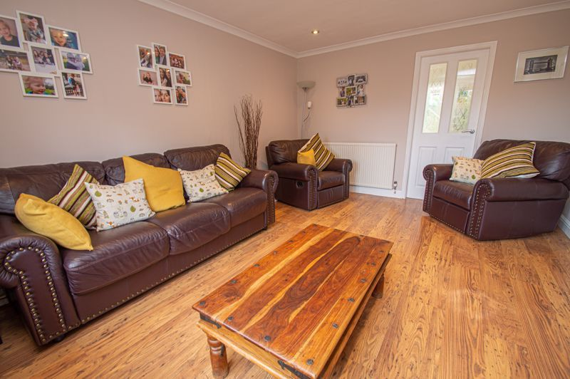 3 bed house for sale in Alveston Close 6