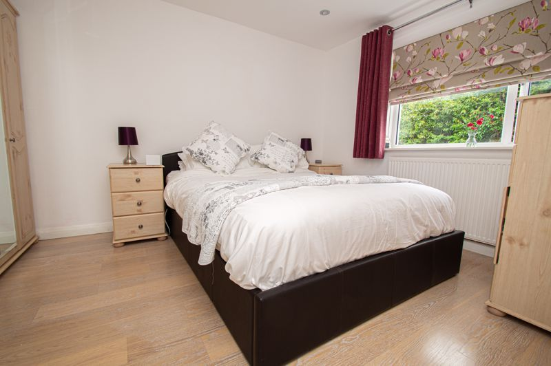 3 bed house for sale in Alveston Close 10