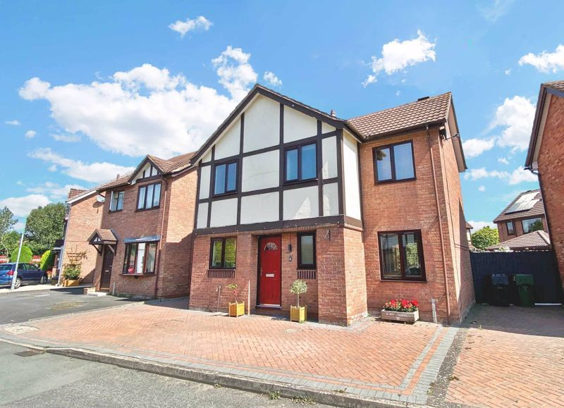 3 bed house for sale in Mill Close 1