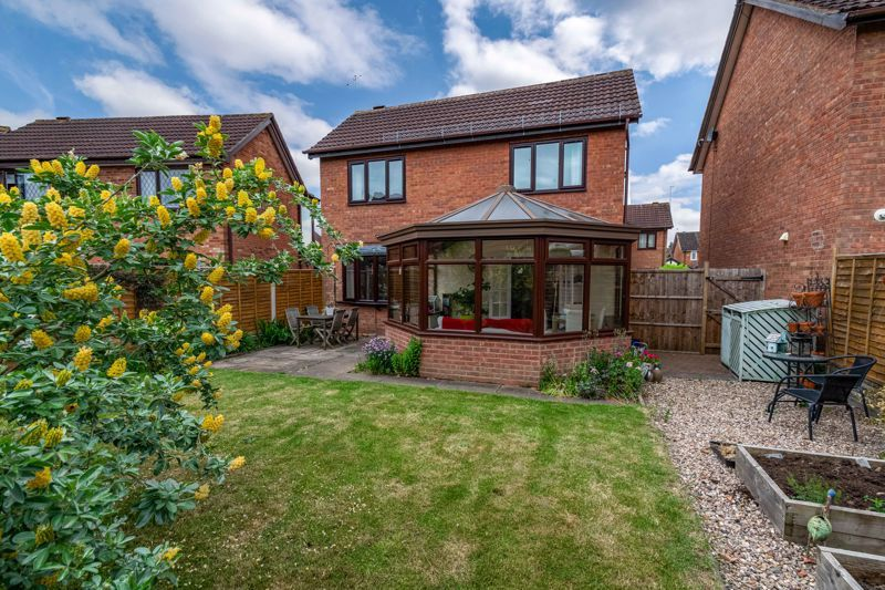 3 bed house for sale in Mill Close 13