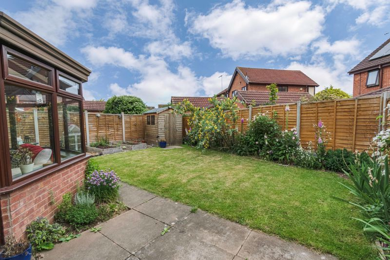 3 bed house for sale in Mill Close 14