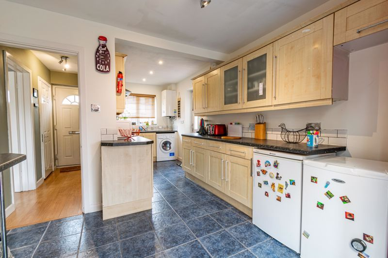 3 bed house for sale in Mill Close 3