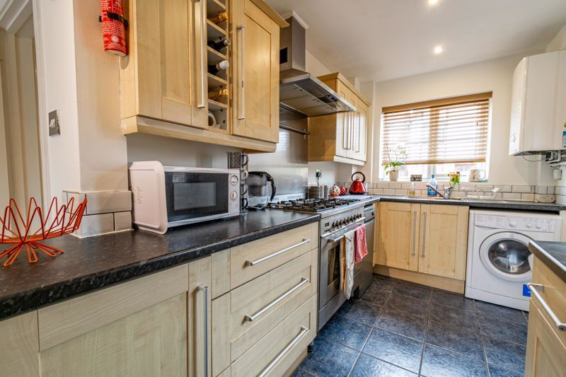3 bed house for sale in Mill Close 4