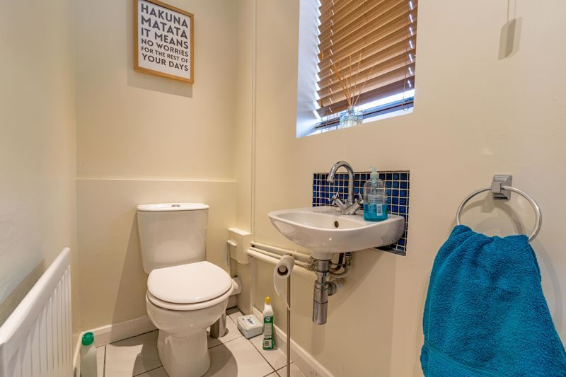 3 bed house for sale in Mill Close 7