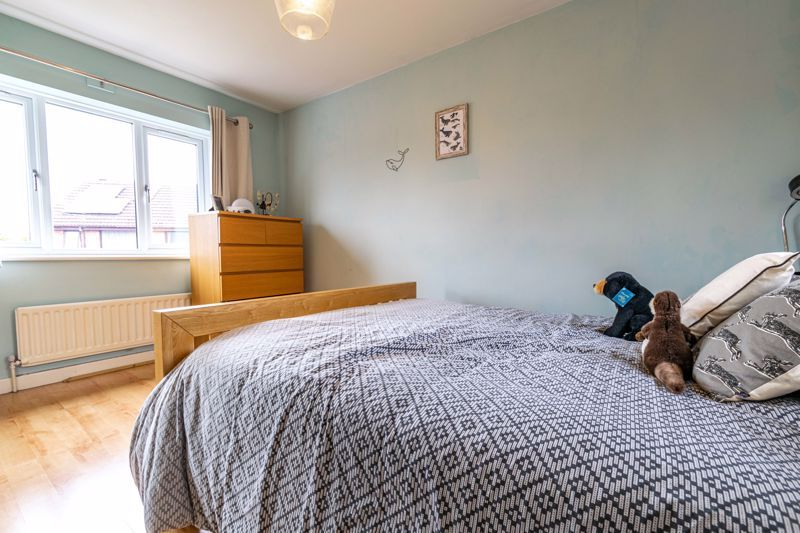 3 bed house for sale in Mill Close 10