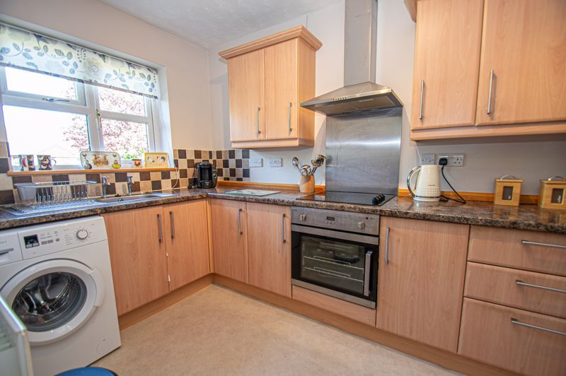 2 bed bungalow for sale in Naseby Close  - Property Image 3