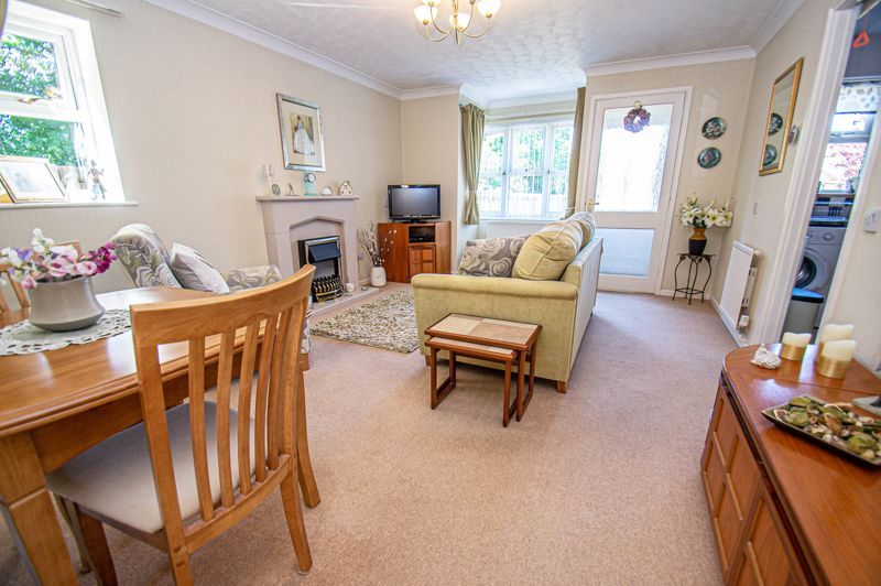2 bed bungalow for sale in Naseby Close 4