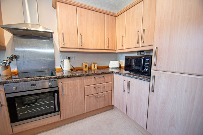 2 bed bungalow for sale in Naseby Close  - Property Image 5