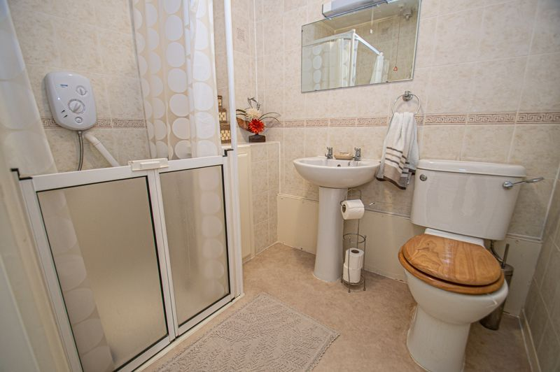 2 bed bungalow for sale in Naseby Close  - Property Image 9