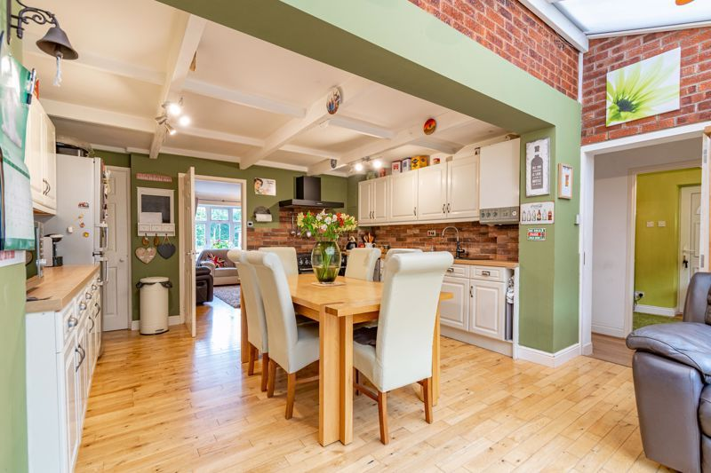 4 bed house for sale in Painswick Close 5