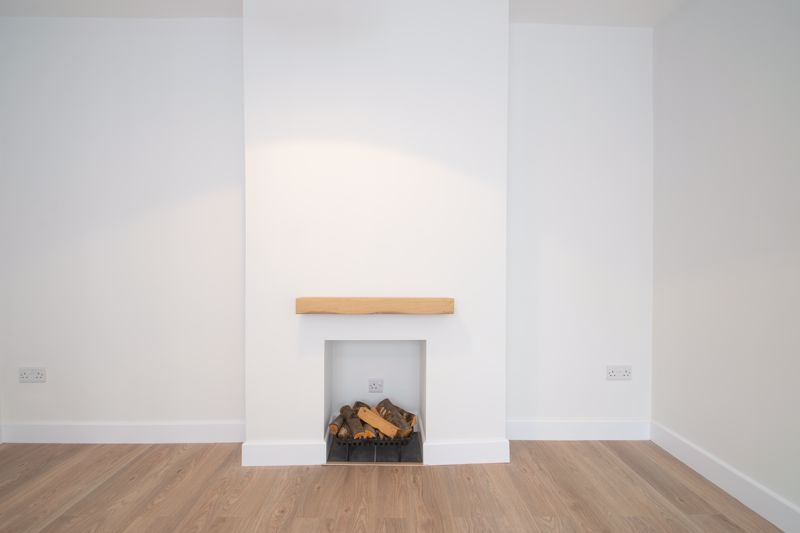 3 bed house for sale in Sandfield Road 14