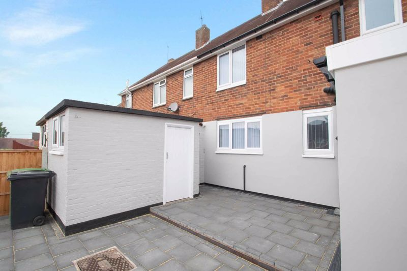 3 bed house for sale in Sandfield Road 16