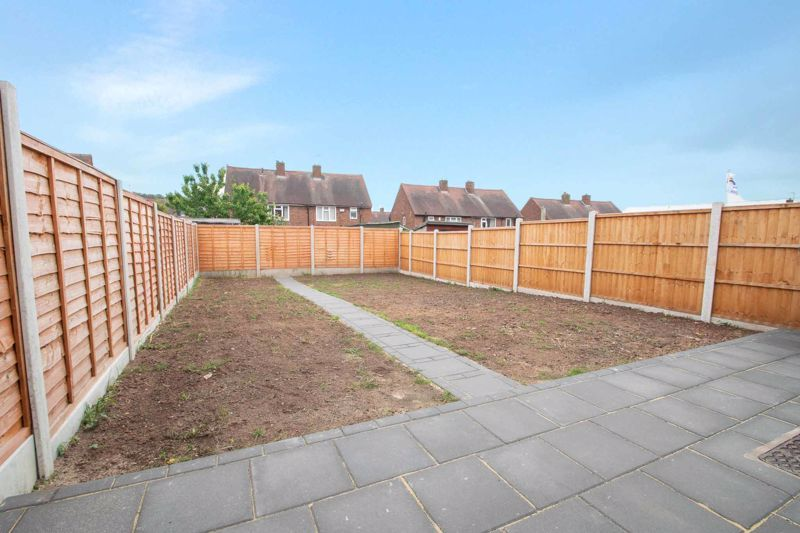 3 bed house for sale in Sandfield Road 17