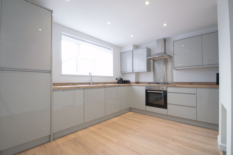 3 bed house for sale in Sandfield Road 4