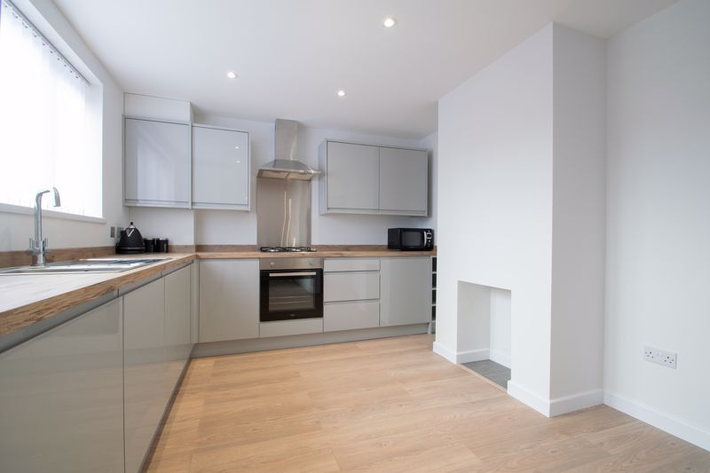 3 bed house for sale in Sandfield Road 5