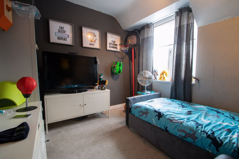 2 bed house for sale in School Road 8