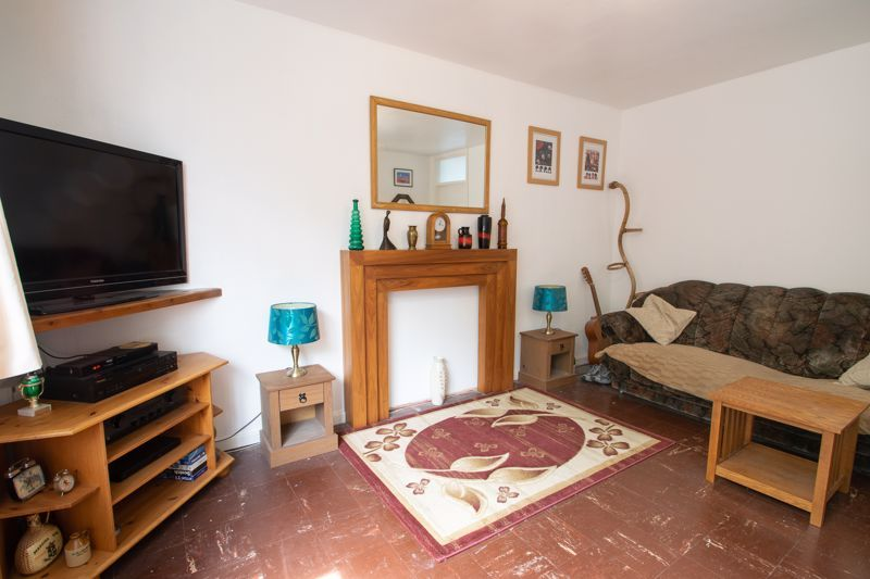 1 bed flat for sale in Crabbe Street 2