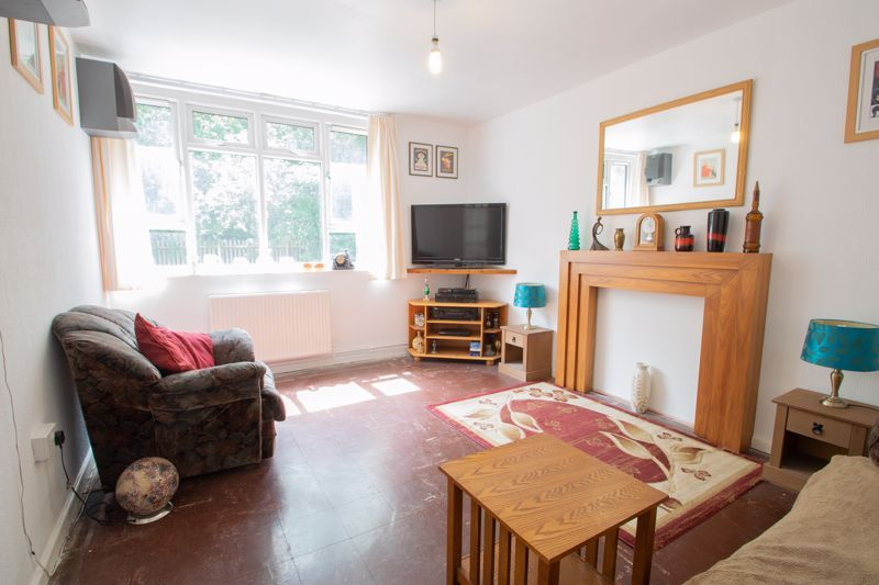 1 bed flat for sale in Crabbe Street 3